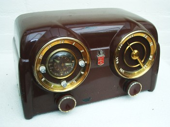 Crosley D-25 BE Bakelite radio